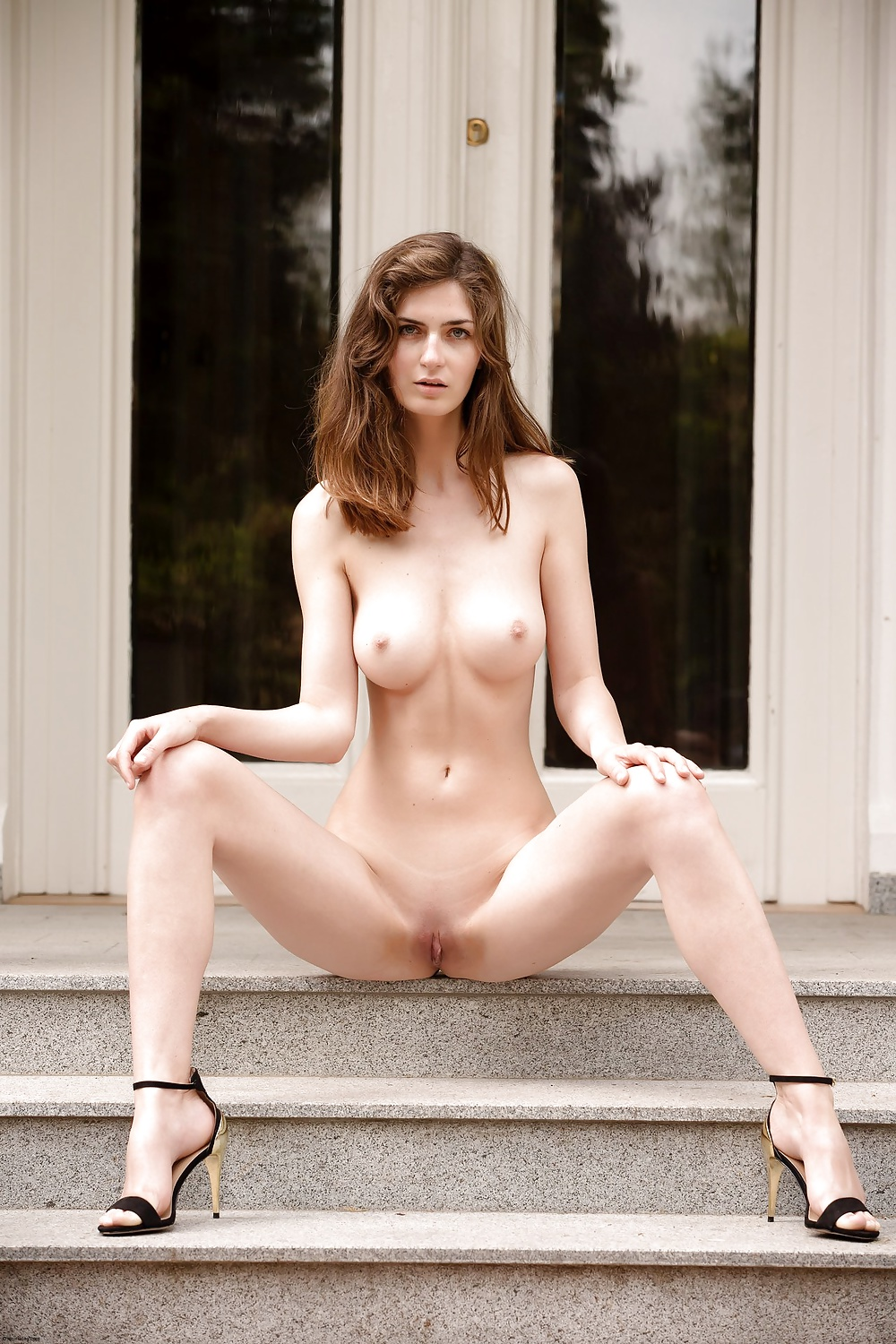 very-tall-girl-nude-images