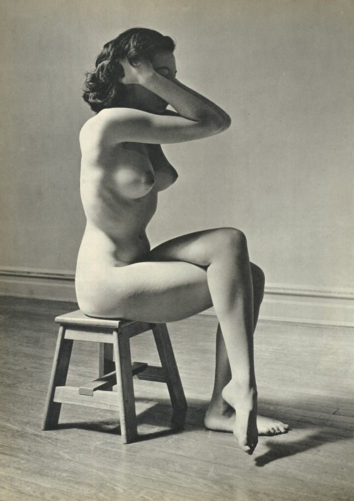 classy-female-nudes-mature-yoga-pussy