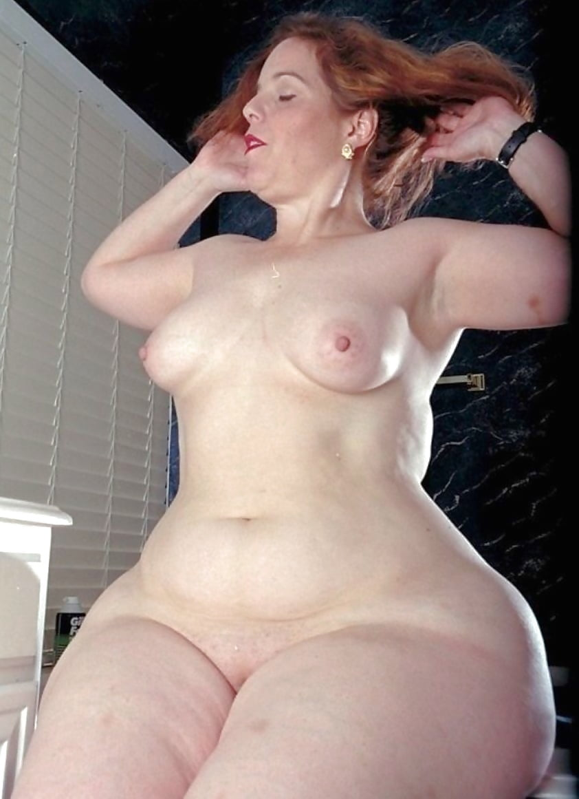 Nude mature women with wide hips