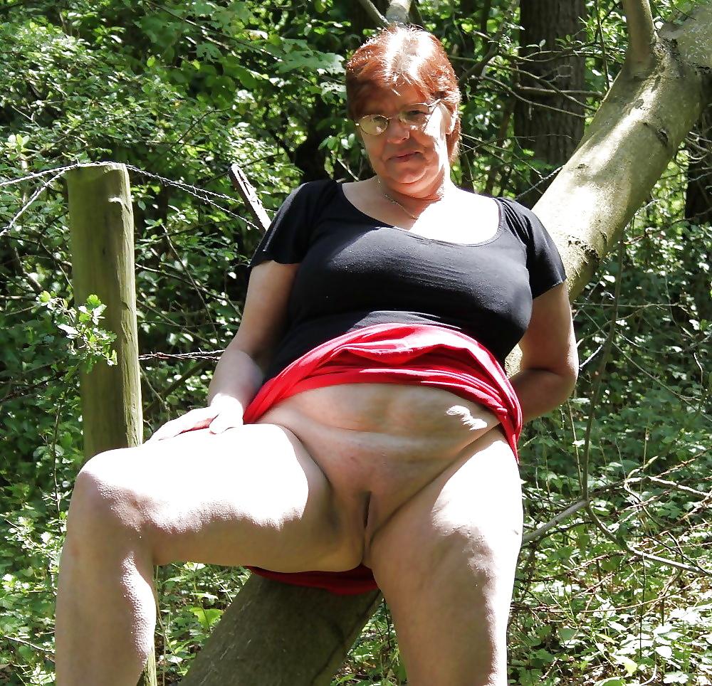 best-mature-over-voyeur-pics-horny-erotic-milf-pics