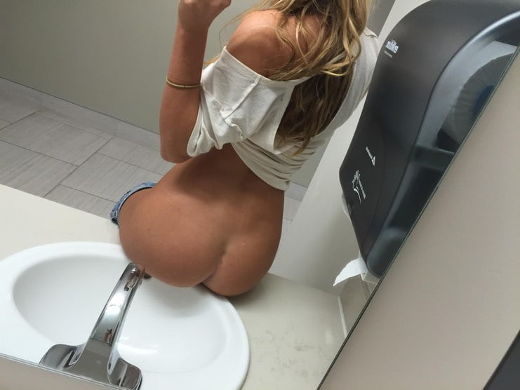 Une amatrice blonde - 77 Pics