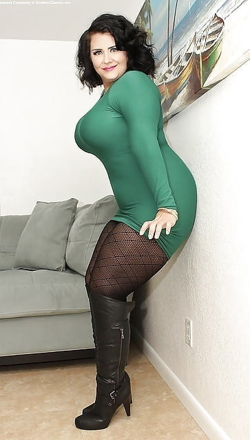 Free curvy chubby girls pantyhose pictures sex pictures