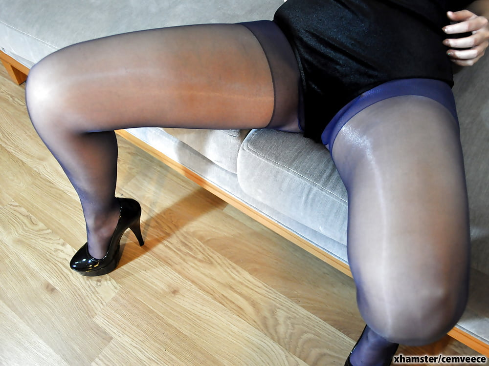 Eurosex babe fucking her agents cock-1640