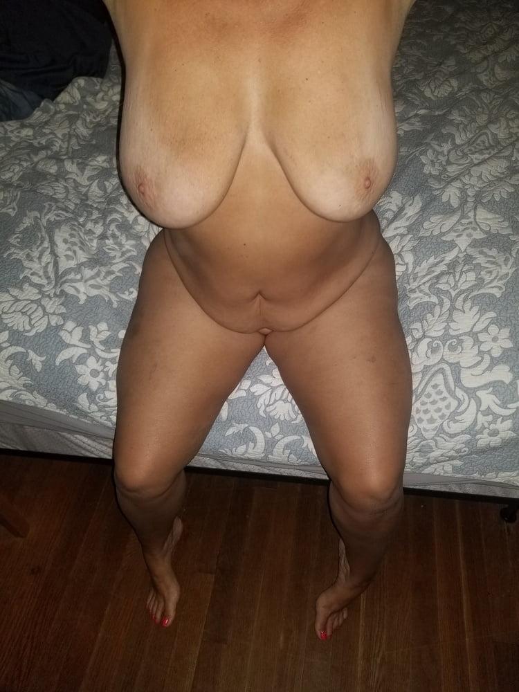 Big Tit Southern MILF - 12 Pics