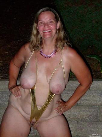 Fat girls wearing bikinis