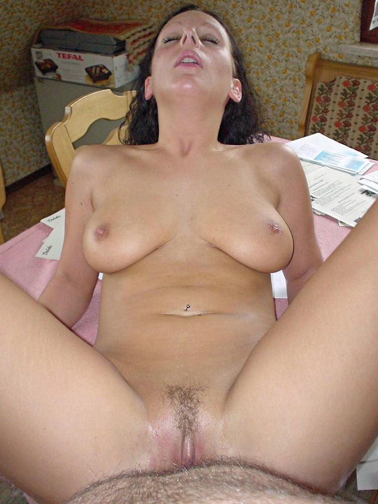 сомневаются порно фото голой жены соседа это
