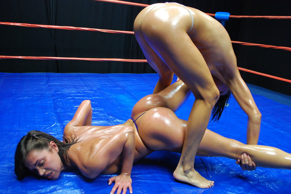 Wrestling chicks nude 4