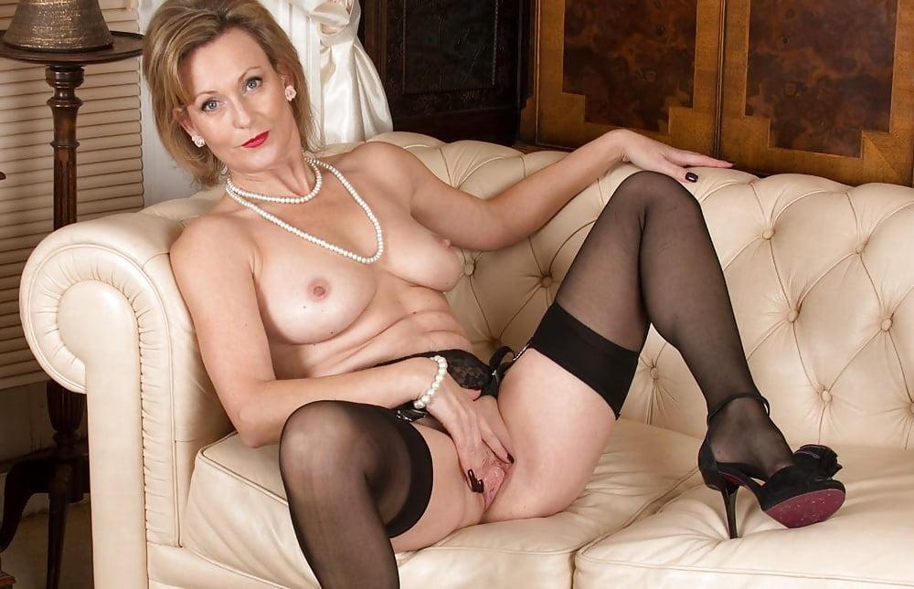 Milfs in lingerie photos