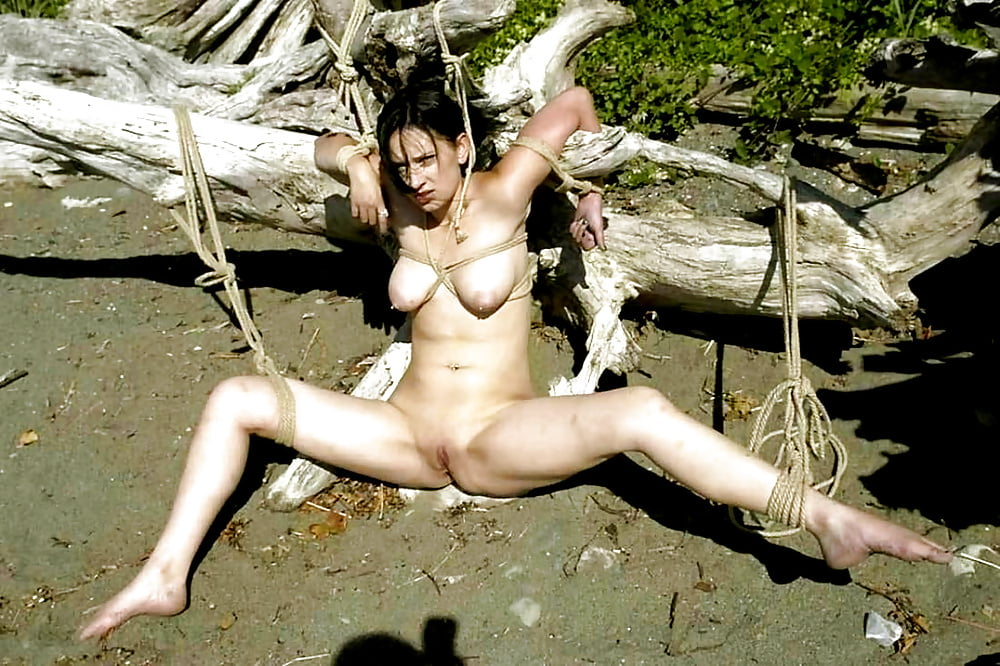 mallory-fucking-cave-woman-pussy-college-girls-colege