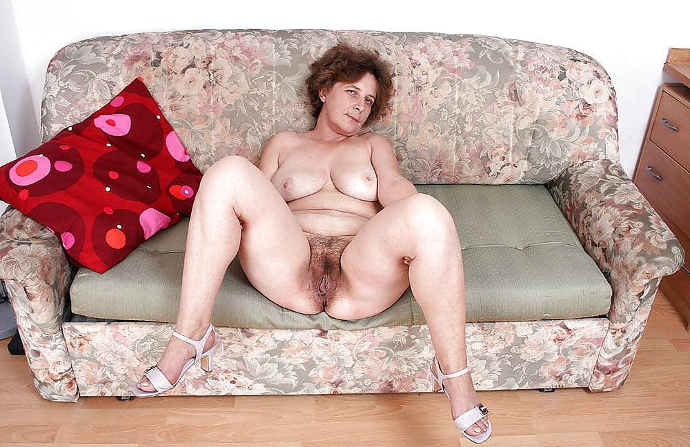 Lesbian maids strapless dildo