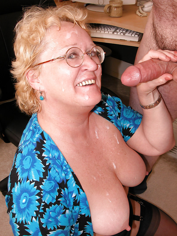 Sex with an interesting busty granny forced the man to cum on her face