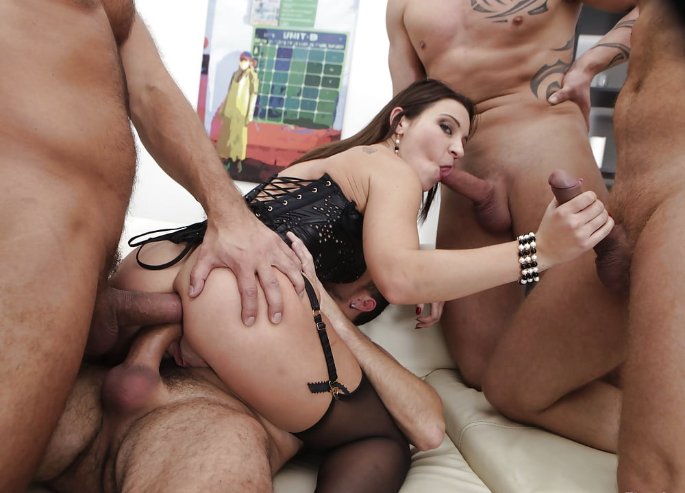 pussy-came-threesome-gangbang-milf-sex-raven