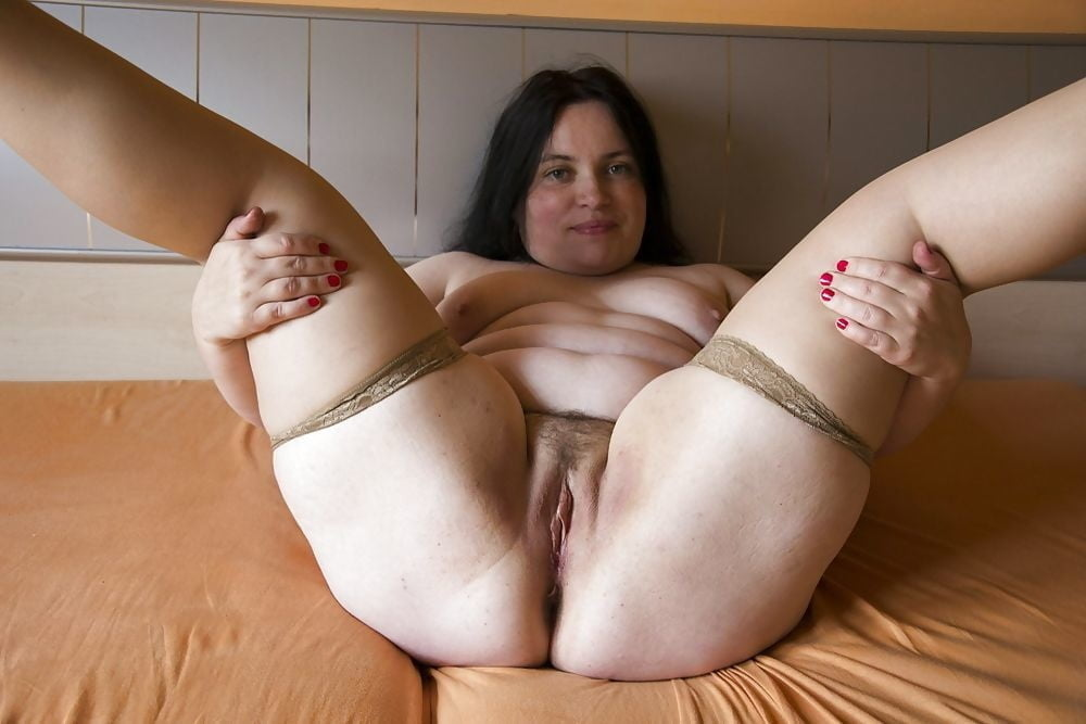 Plump nude feet