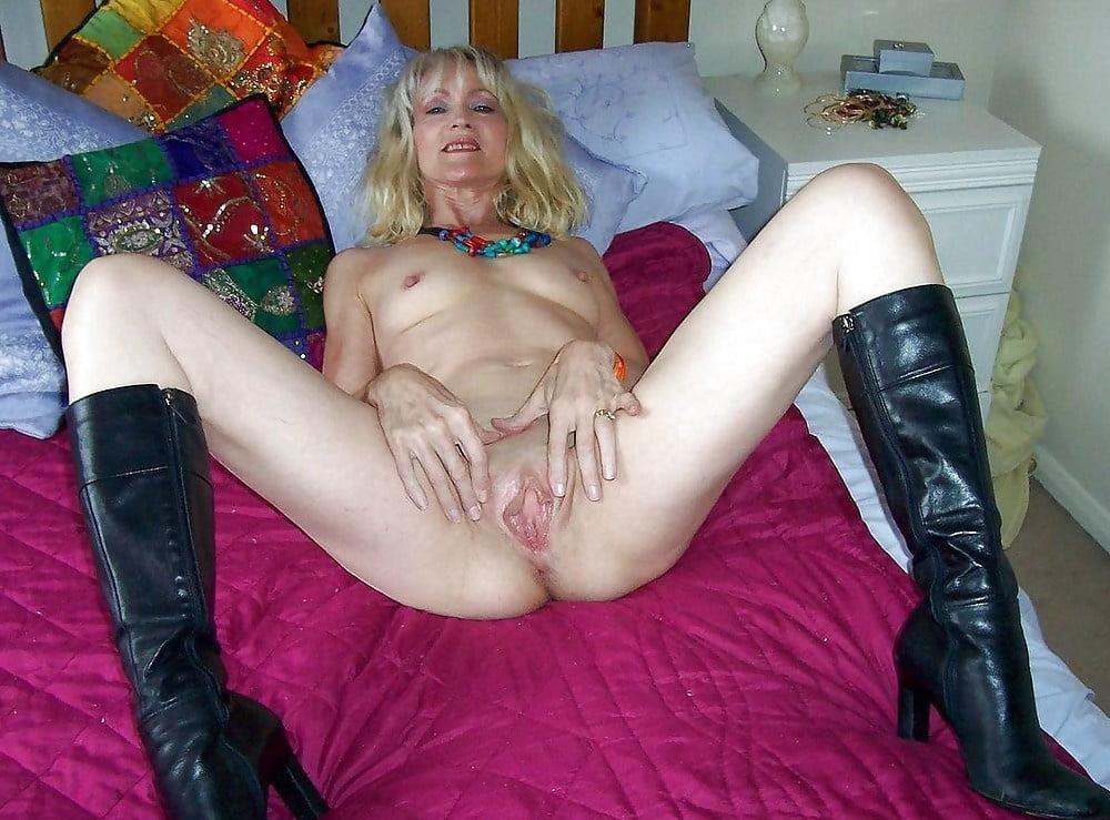 порно зрелых фото раздвинутые ножки зрелых