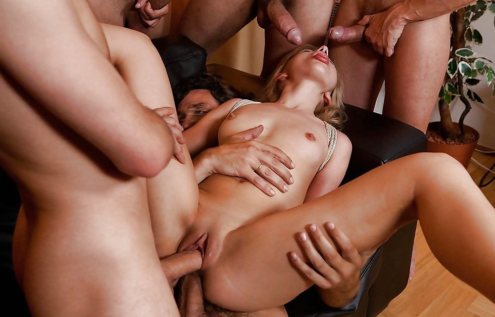 Free Gay Gangbang Mpeg Jt Wreck Likes Getting His Sausage