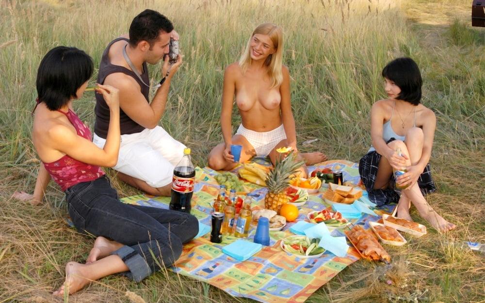 Эротика с друзьями на природе