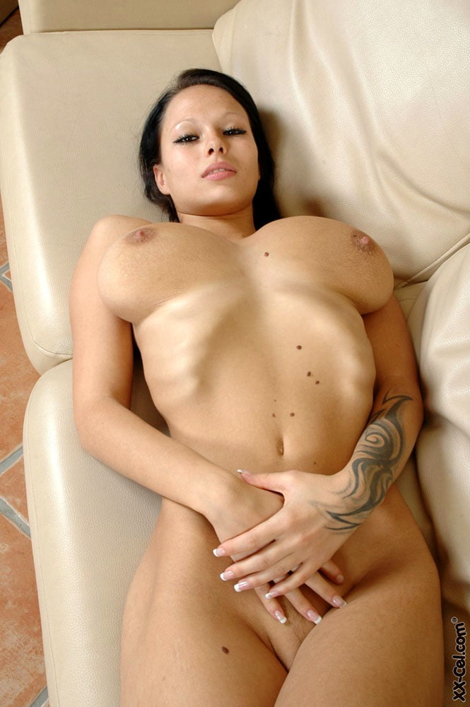 skinny-girl-big-boobs-pussy