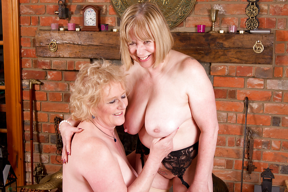 Mature Hunnies Playtime By Dirty Doctors Clips
