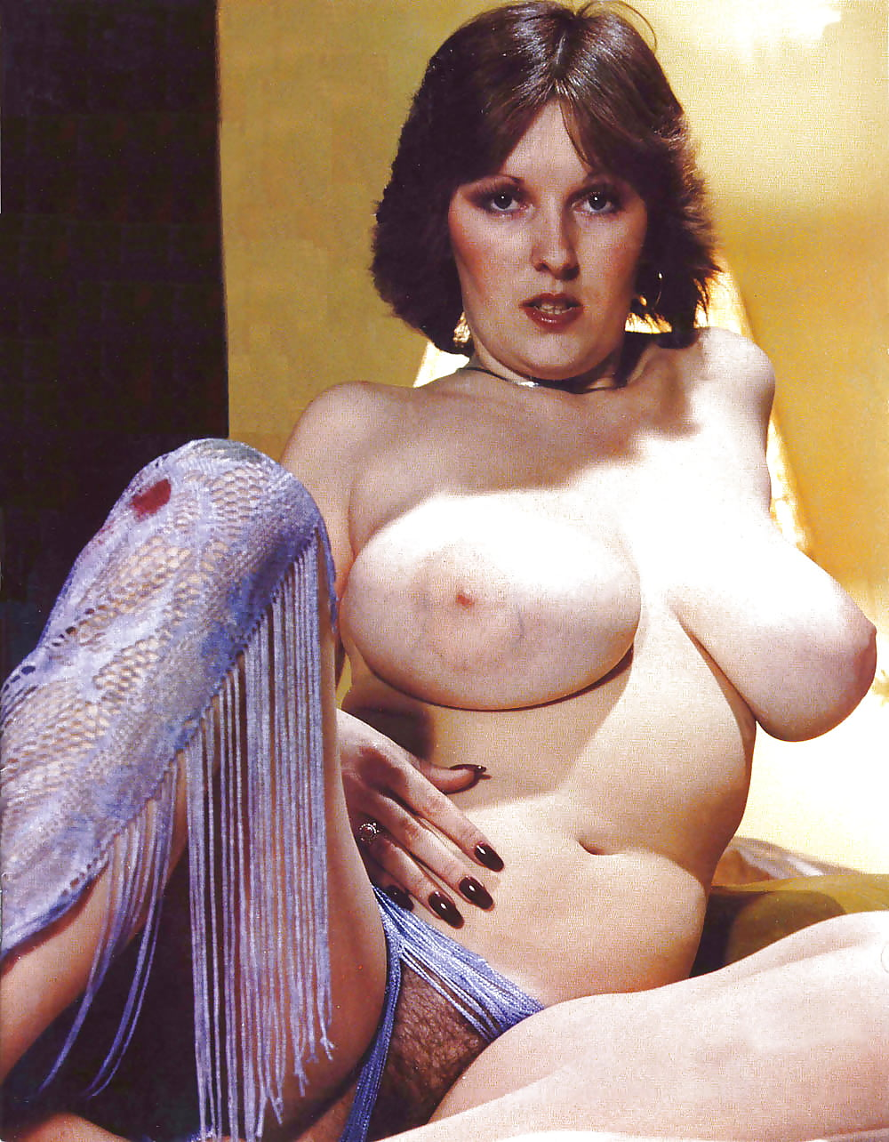 комнатке стояла зрелые женщины с большой грудью ретро фильмы решил искушать судьбу
