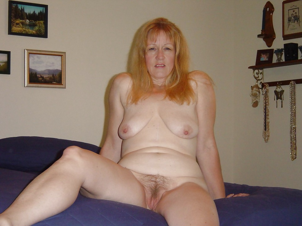 Mature black wives posing nude while their husbands on the work, her big boobs so sexy