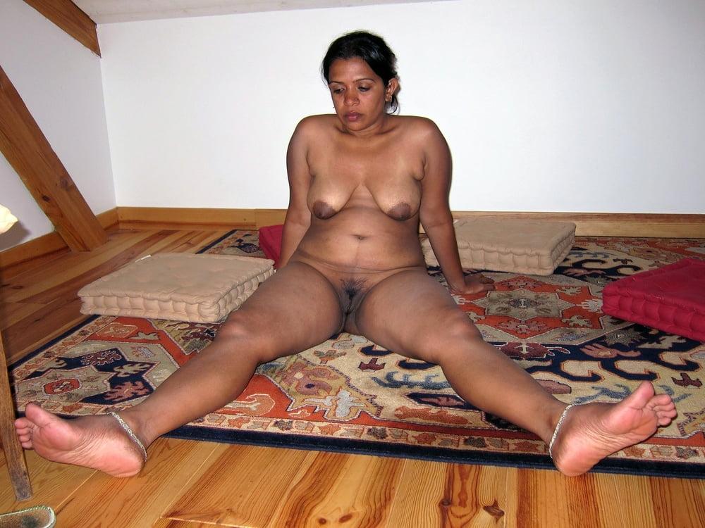 Desi Hot Maa Ki Nude Photos Bete Ne Bheja