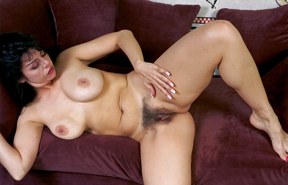 Unshaved Pussy And Natural Tits Of Naked Milf Look Great