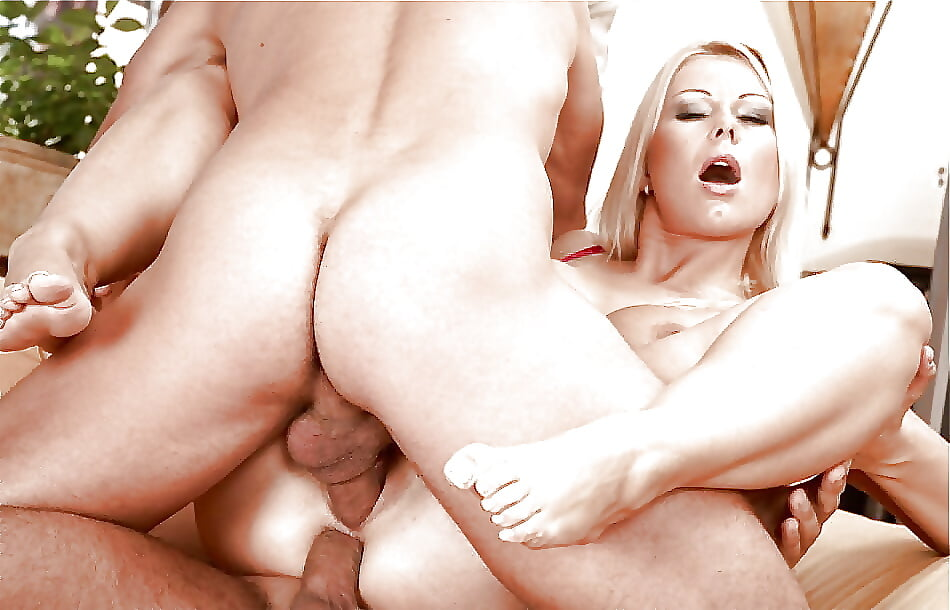 scarlett-johansson-sex-photo
