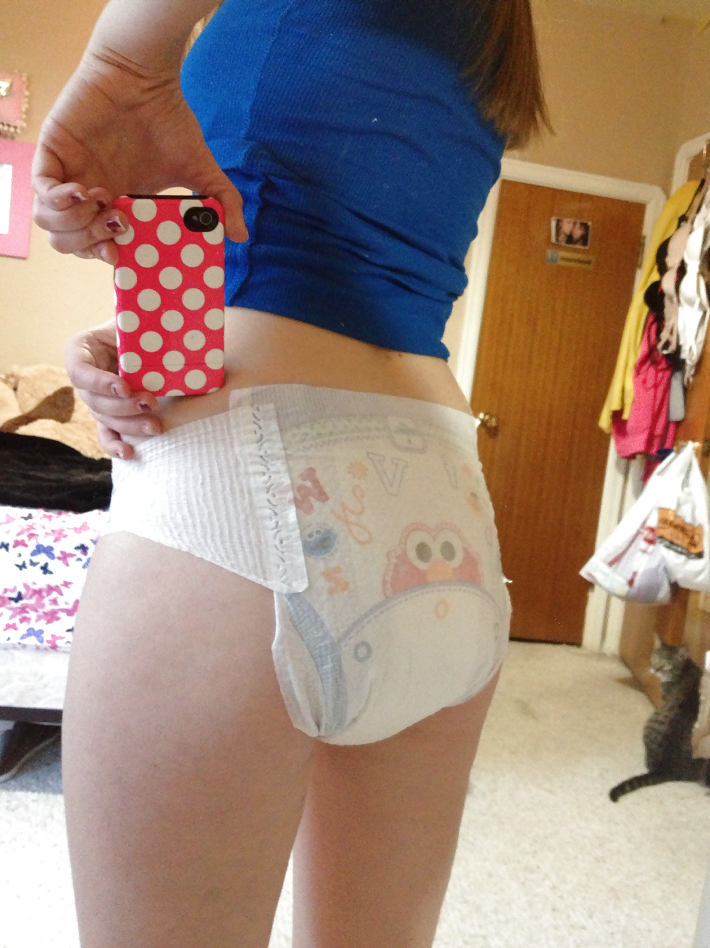 Teens girls who wear diapers — photo 5