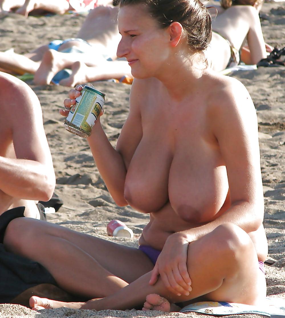 Big titty voyeur #4