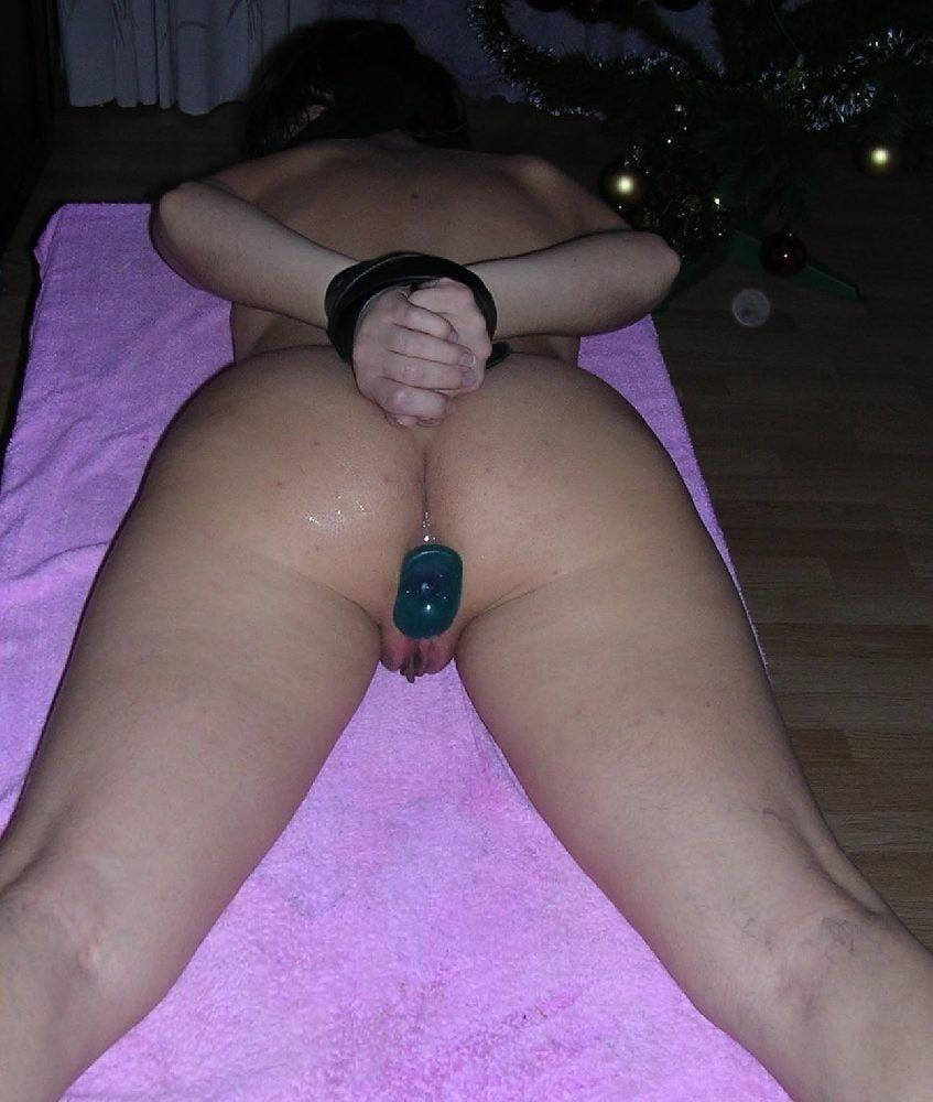 Free Anal Plug Insertion Porn Pics