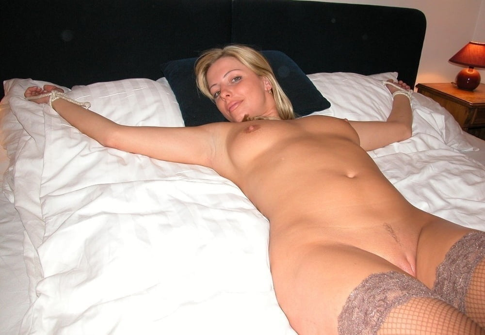Extreme vatican blonde pussy gaping