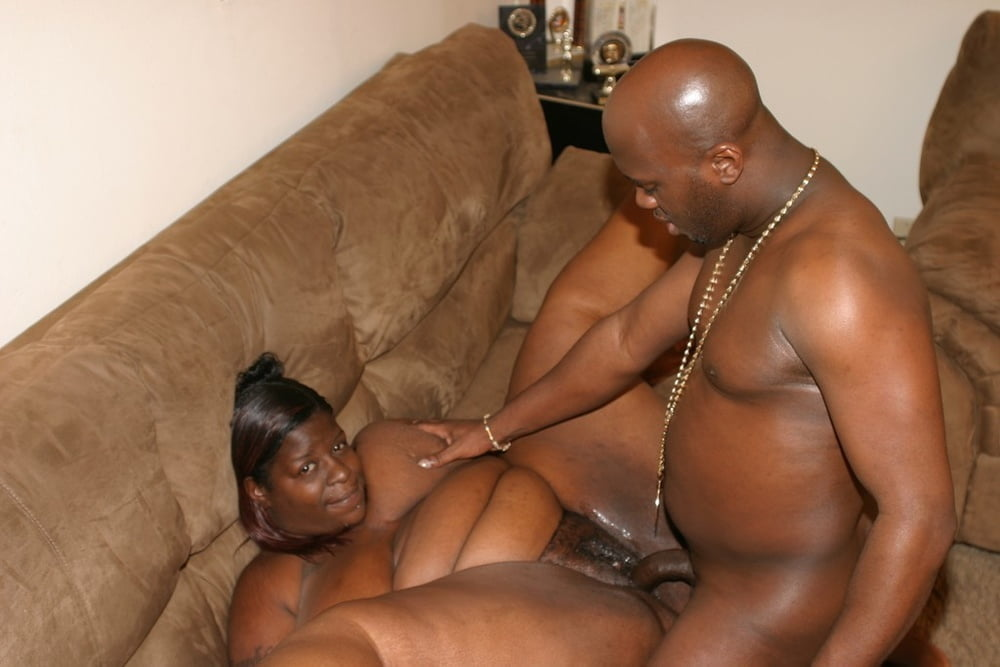 black-fat-dude-and-skinny-girl-sex-amateur-bares