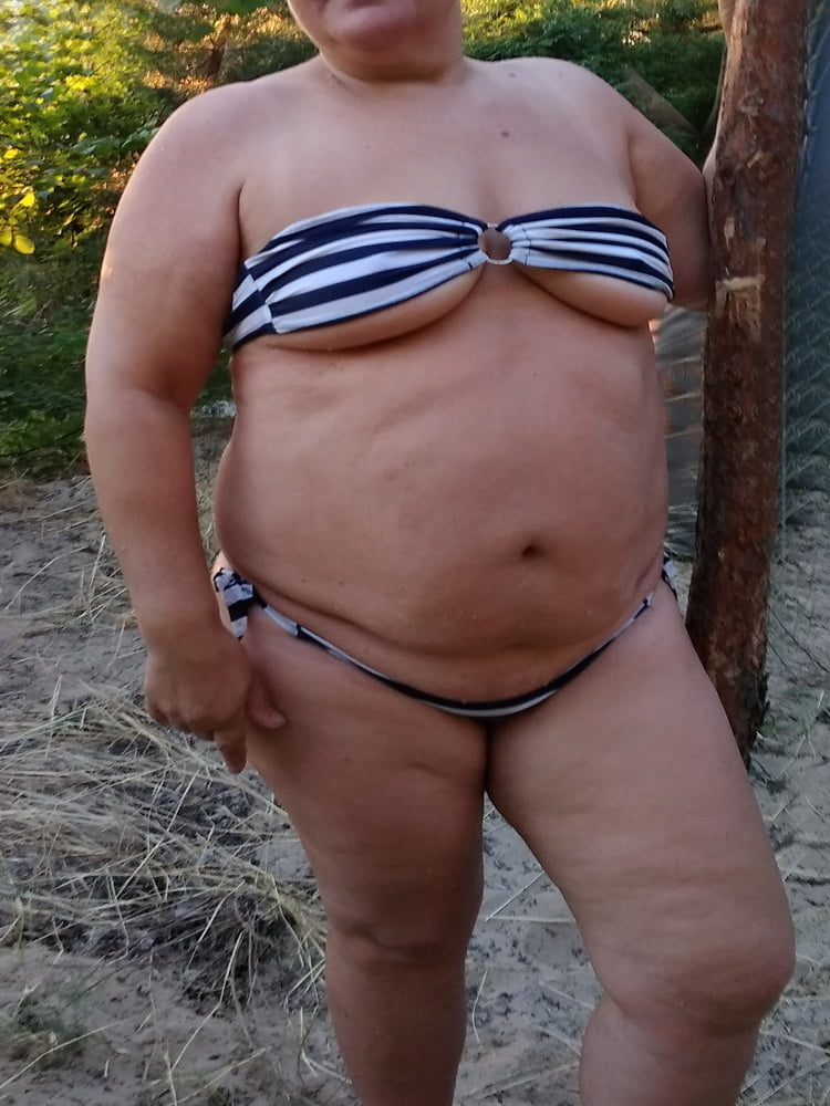 Hot bikini babes galleries