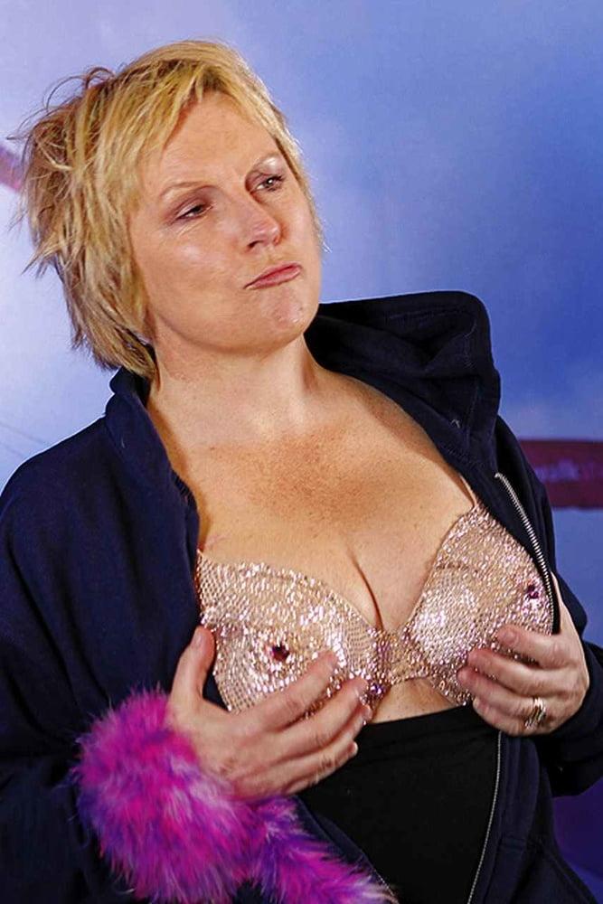 Nackt  Jennifer Saunders Absolutely Fabulous