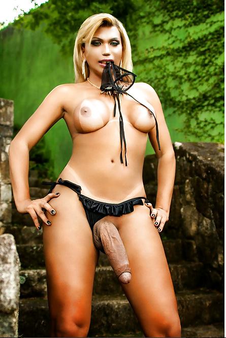 Ashley fires gets a surprise double black penetration