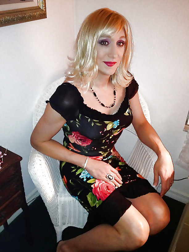 London big boobs girl