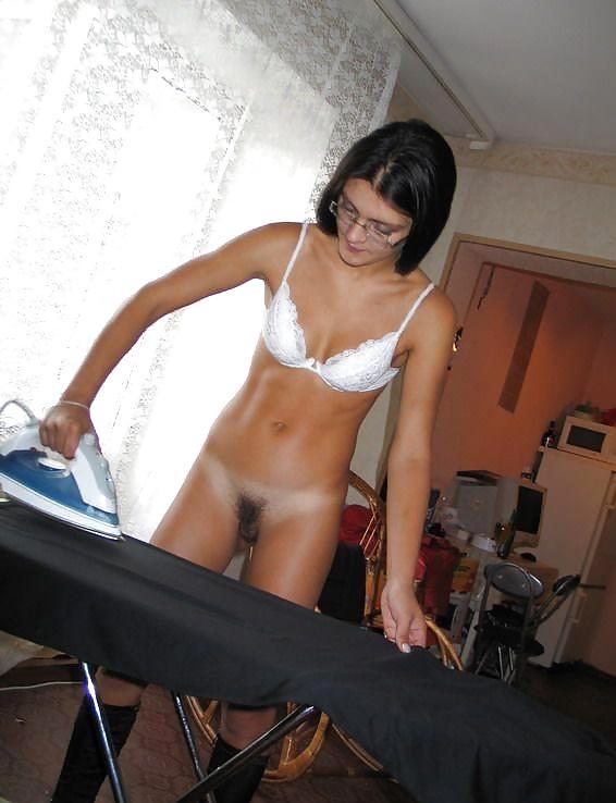 naked-girls-ironing