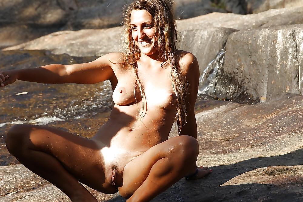 Hot nude girls gone wild