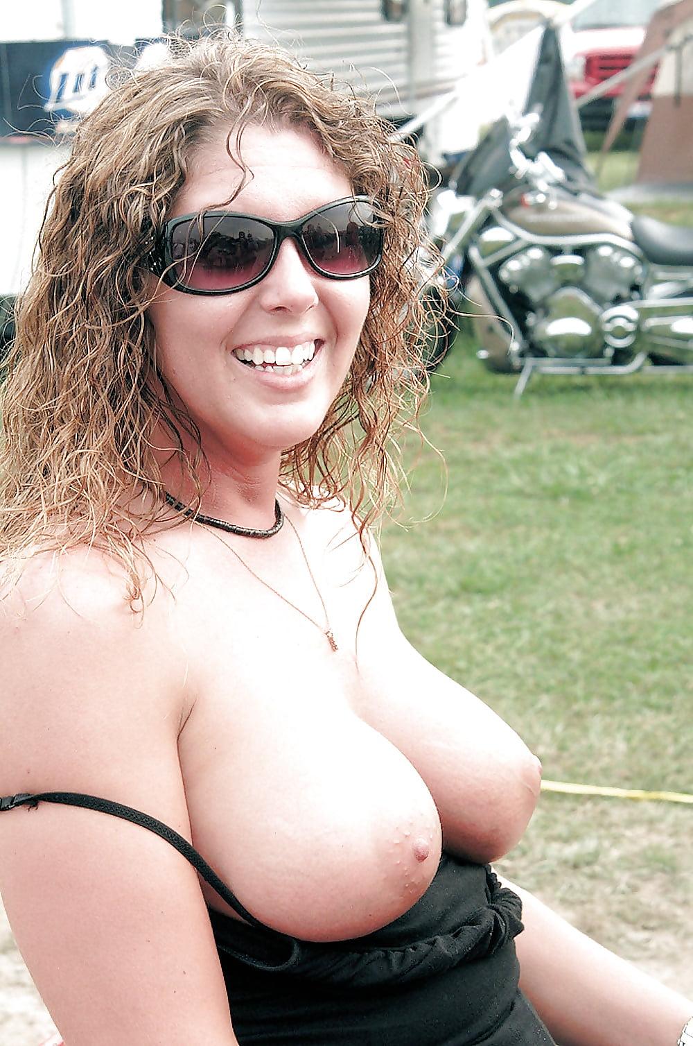 This horny trailer trash slut shows her stuff slut horny