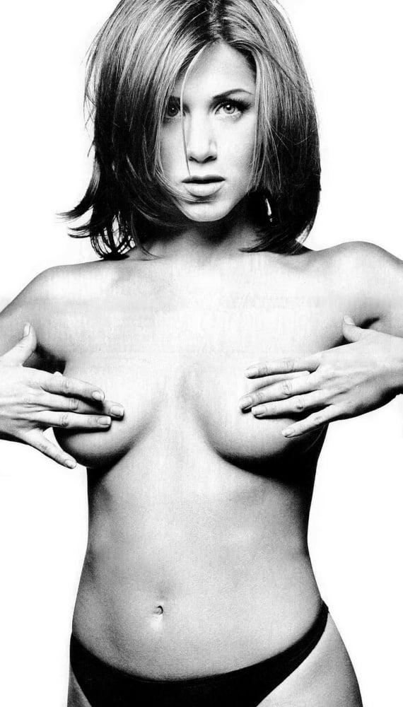 Jennifer aniston topless scene