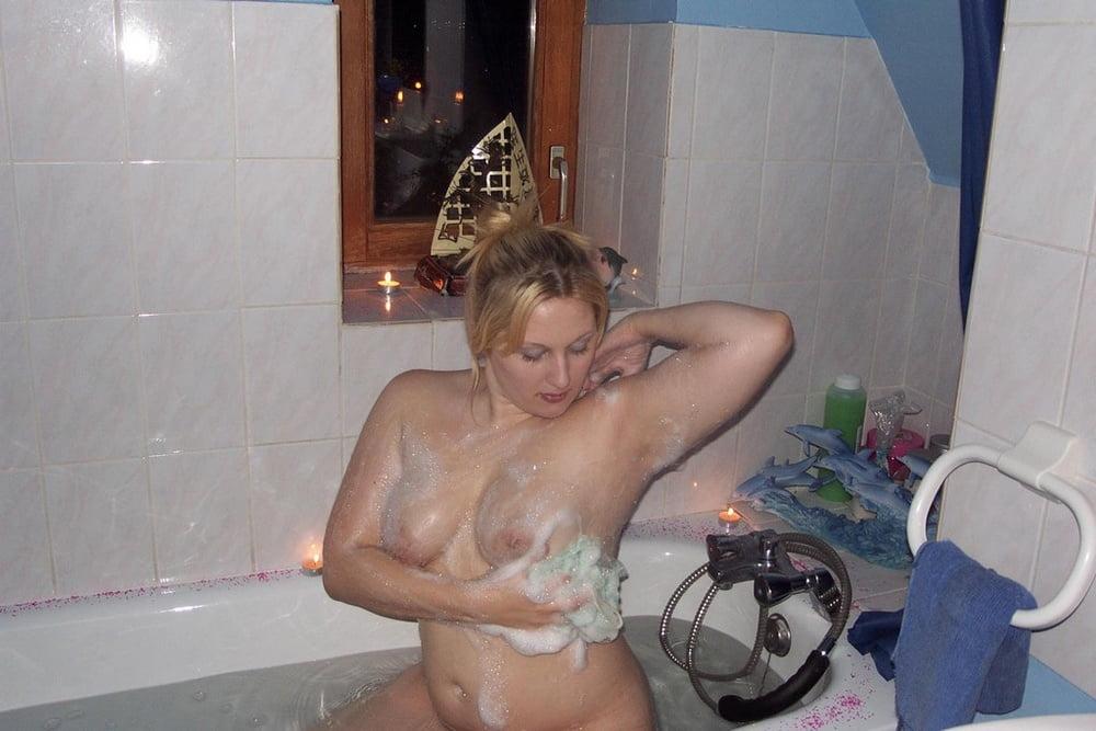Видео снял как жена моется — pic 1