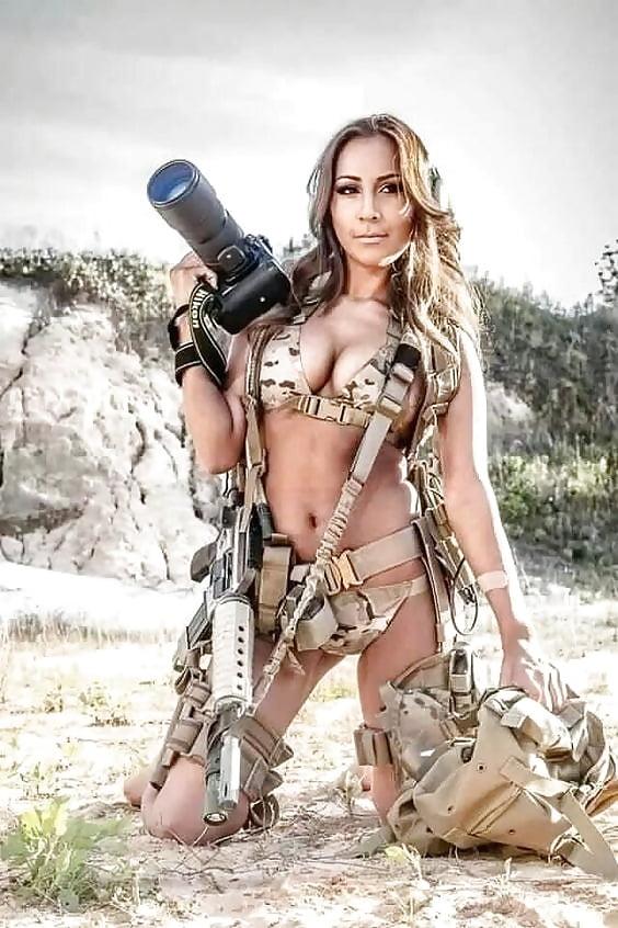 teen-threesome-army-women-girls-nude-girls
