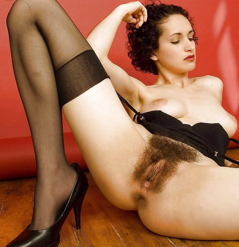 Волосатая эротика в чулках #4