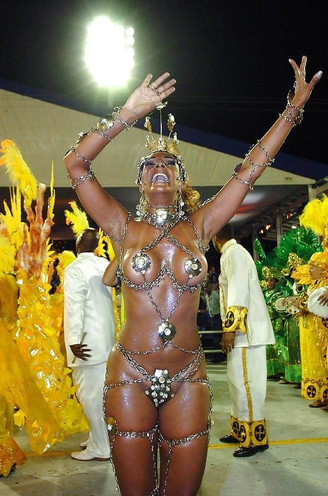 braziliya-karnavali-porno-foto-shikarnih-zhop-vagin-milashkoy