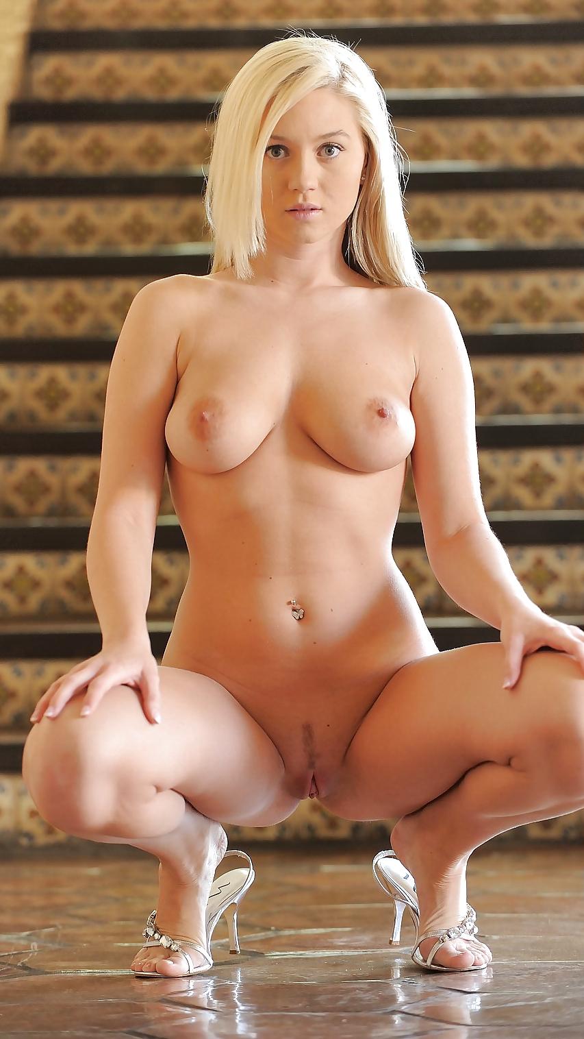 Holly madison nude naked — photo 8