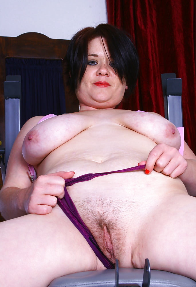 Thick and hairy women-5061