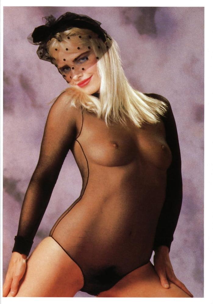 naked-ilona-staller