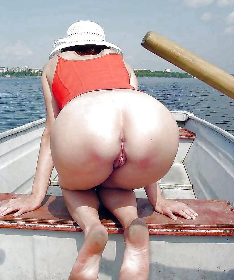 Большие попки на отдыхе порнуха — photo 15