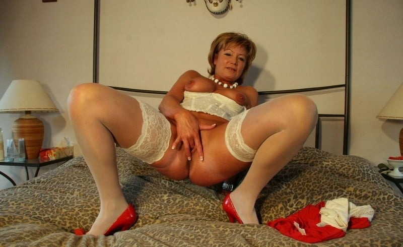 Mpg amateur mature ladies looking for young spaguetti girls