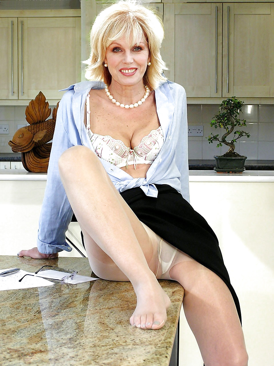 joanna-lumley-pantyhose-log-pic-sexy-gallery-dadd-fuck-girls-little